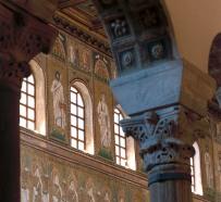 40 -Ravenna. Basilica di Sant'Apollinare Nuovo, interno
