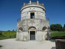 50 - Ravenna. Mausoleo di Teodorico. Il Mausoleo di Teodorico, a Ravenna, è la più celebre costruzione funeraria degli Ostrogoti. Fu costruito verso il 520 da Teodorico il Grande come sua futura tomba in marmo bianco