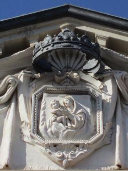 22 - Forlì. Particolare in alto del Palazzo Paolucci de Calboli