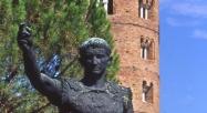 151 - Ravenna. Basilica di Sant'Apollinare in Classe. Particolare del campanile e della statua di Augusto