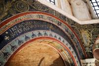 75 - Ravenna. Interno Battistero Neoniano, partcolare
