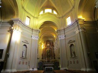 160 - Forlì. Chiesa di Sant'Antonio Abate in Ravaldino, interno. Ogni anno il 22 Maggio, festa di S. Rita da Cascia, dalle 16.30 alle 22.00 davanti alla Chiesa vengono benedette le automobili.