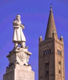 12,1 - E-R Forlì. Monumento ad Aurelio Saffi con il campanile dell' Abbazia di San Mercuriale