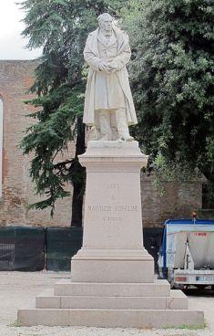 109 - Cesena. Statua di Maurizio Bufalini (ad opera di Cesare Zocchi) situata in Piazza Bufalini.