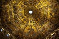 124 - Firenze. La bellissima cupola interna del Battistero, decorata con mosaici.