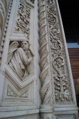 44 - Firenze. Santa Maria del Fiore. particolari. E 'incredibile i dettagli in marmo policromo
