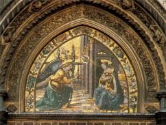 37 - Firenze. Duomo, particolare. Mosaico dell'Annunciazione nella porta della Mandorla di Domenico Ghirlandaio
