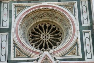 31- Firenze. Santa Maria del Fiore. Rosone laterale particolare.