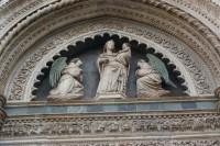 40 - Firenze. particolare sopra la porta dei canonici.