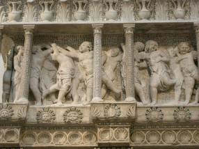 163 - Il Museo dell'Opera del Duomo. Particolare della Cantoria d Donatello.