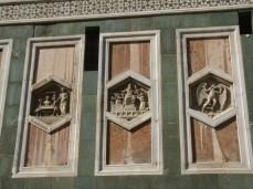 75 -Firenze-campanile di Giotto. alcune-formelle-copie-del-lato-sud, dettagli.