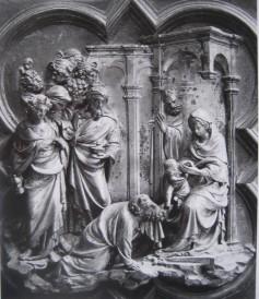 144 - Lorenzo Ghiberti, Adorazione dei Magi, scomparto della Porta Nord, 1403-24, Firenze, Battistero.
