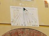124 - MERIDIANA NEL CHIOSTRO PICCOLOParticolare della meridiana presente su un muro del chiostro piccolo