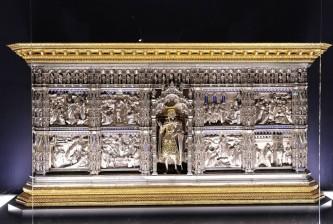 153 - Firenze. Il Museo dell'Opera del Duomo. Altare d'argento del Battistero di San Giovanni.