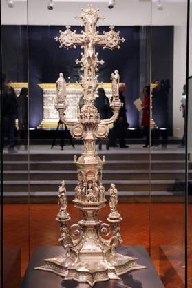 155 - Firenze. Il Museo dell'Opera del Duomo. Altare d'argento del Battistero di San Giovanni. La croce