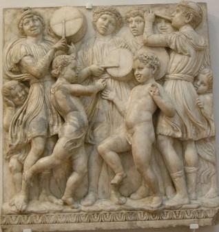 182 - Firenze. Il Museo dell'Opera del Duomo. Particolare della Cantoria di Luca della Robbia..
