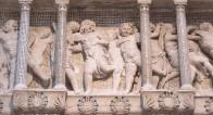 161 - Il Museo dell'Opera del Duomo. Particolare della Cantoria d Donatello.