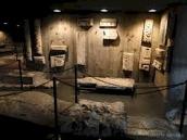 96 - Firenze. Cripta di Santa Reparata- particolari.