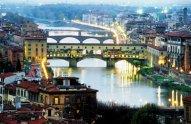 107 - Firenze. Ponte vecchio all'imbrunire.