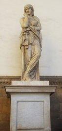 13 - Firenze . La Loggia della Signoria. Arte romana, Thusnelda.