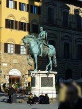 19 - Firenze. Piazza Signoria. Statua equestre di Cosimo I de' Medici. Di Gianbologna 1587-1594 in bronzo.