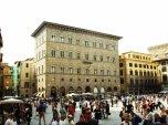 41 - Firenze. Piazza Signoria, palazzo-delle-assicurazioni-generali. Il Palazzo delle Assicurazioni Generali è l'ultimo grande edificio costruito in piazza della Signoria a Firenze.