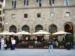 42 - Rivoire è un esercizio storico di Firenze, situato in Piazza della Signoria 5/r. Nelle intestazioni delle prime ricevute emesse dalla ditta Rivoire, che ha sede dal 1872 al pian terreno dell'ottocentesco.