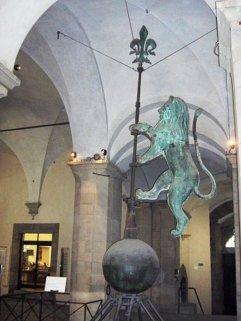 53 -Firenze. Palazzo Vecchio. La banderuola originale.