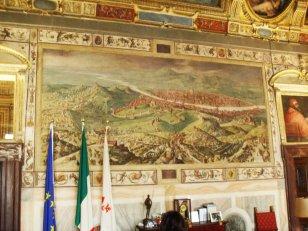 67 - Firenze. Palazzo Vecchio - Sala di Clemente VII, l'Assedio di Firenze. Alle pareti sono raffigurati vari episodi bellici, come il famoso Assedio di Firenze del 1530, dove è stata raffigurata un'ampia veduta della città molto conosciuta.