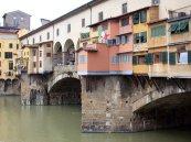 99 - Firenze. Ponte vecchio. Il retro particolare.