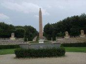 138 -Firenze. Giardini-Boboli - L'obelisco e la vasca di granito-