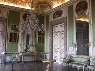 14 -Caserta. Reggia. Il boudoir di Maria Carolina