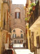 32 - Bari, Arco della Neve
