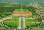 2 -Caserta. La Reggia di Caserta, o Palazzo Reale di Caserta, è una dimora storica appartenuta alla casa reale dei Borbone di Napoli, proclamata Patrimonio dell'umanità dall'UNESCO. Situata nel comune di Caserta, è circondata da un vasto parco nel quale si individuano due settori: il giardino all'italiana, in cui sono presenti diverse fontane e la famosa Grande Cascata, e il giardino all'inglese, caratterizzato da fitti boschi. In termini di volume, la reggia di Caserta è la più grande residenza reale del mondo con oltre 2 milioni di m³ e copre una superficie di 47.000 m²