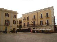 35 - Bari, Piazza Mercantile---