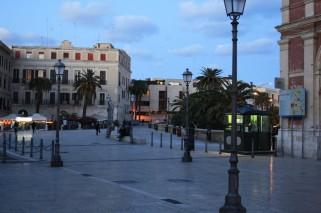 58 - Bari Antica piazza Ferrarese