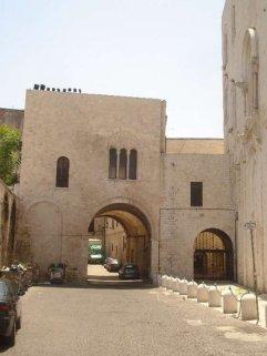 69 - Bari, corte del Catapano