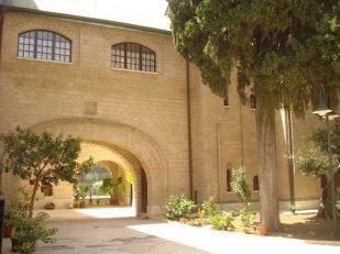 74 - Bari, Chiesa Russo Ortodossa di San Nicola_giardino interno2