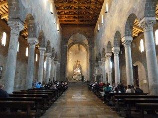 46 -- Interno del Duomo di Casertavecchia
