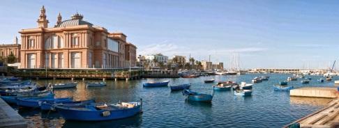 65,1 - Puglia Bari Il Teatro Margherita e il Porto Vecchio