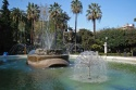 107 - -Bari_-_Piazza_Umberto_-_fontana_di_fronte_Università