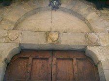 112 -Firenze. La chiesa di Santa Margherita dei Cerchi. Particolare della chiesa. La lunetta del portale