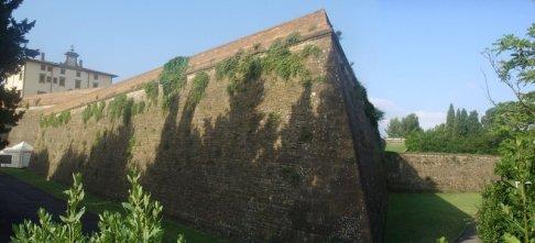 140 -Firenze -Forte Belvedere, panorama, un bastione