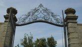 159 -Fiesole. La villa di Maiano, particolare della cancellata in ferro battuto