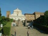 116 -Firenze -La basilica abbazia di San Miniato al Monte si trova in uno dei luoghi più alti della città di Firenze, ed è uno dei migliori esempi di romanico fiorentino.