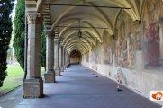 74 -Firenze. La Basilica di Santa Maria Novella. Il Grande Chiostro, un bellissimo spazio da visitare
