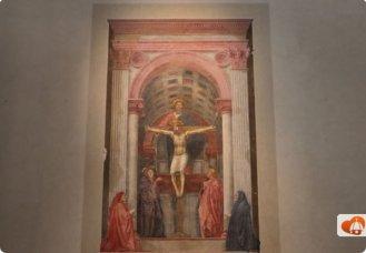 68 -Firenze. La Basilica di Santa Maria Novella.La splendida Trinità di Masaccio si trova sulla destra in fondo alla Basilica, entrando dal lato della chiesa. La Trinità (1424-25) è una della prime opere che mostrano la maestria della prospettiva.