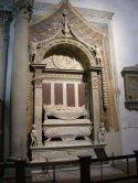 18 -Firenze -La basilica di Santa Croce.Desiderio da Settignano, tomba di Carlo Marsuppini