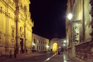 128 - Lecce. Via Giuseppe Libertini, sulla sinistra Chiesa del Rosario o di San Giovanni Battista.