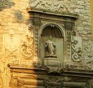 21 -Andria. Particolare a lato della Cattedrale